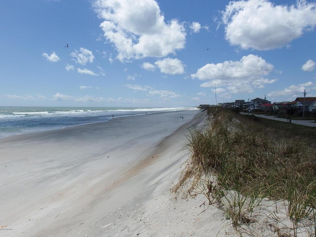 7 N Shore Drive, Surf City, NC 28445 (MLS #100016977) :: Century 21 Sweyer & Associates