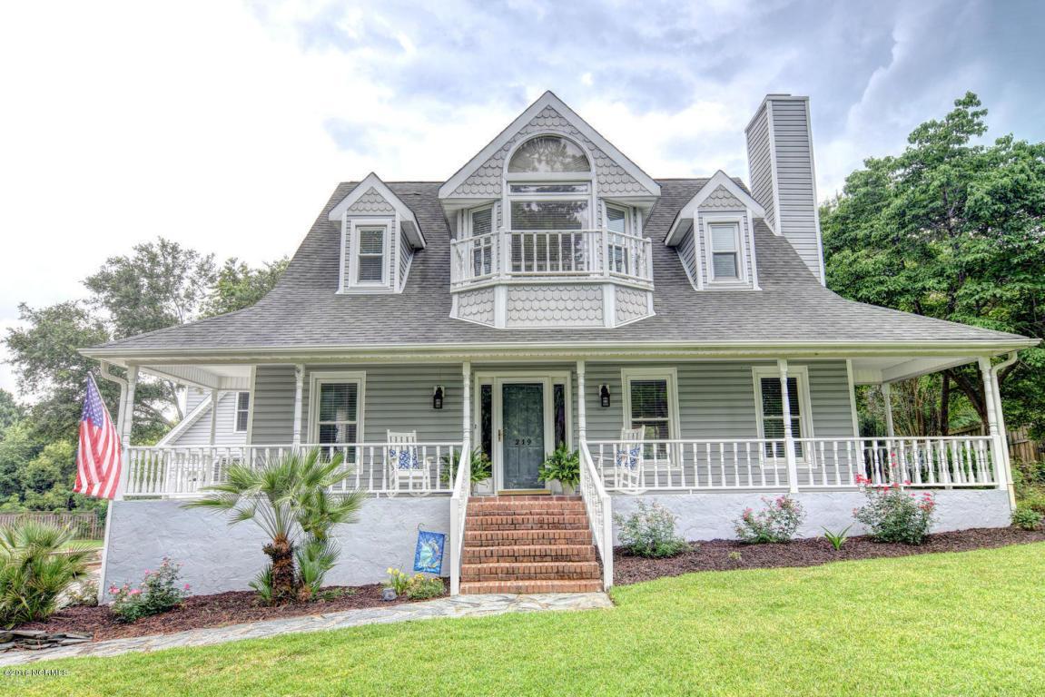 219 Inlet Drive, Wilmington, NC 28411 (MLS #100018180) :: Century 21 Sweyer & Associates