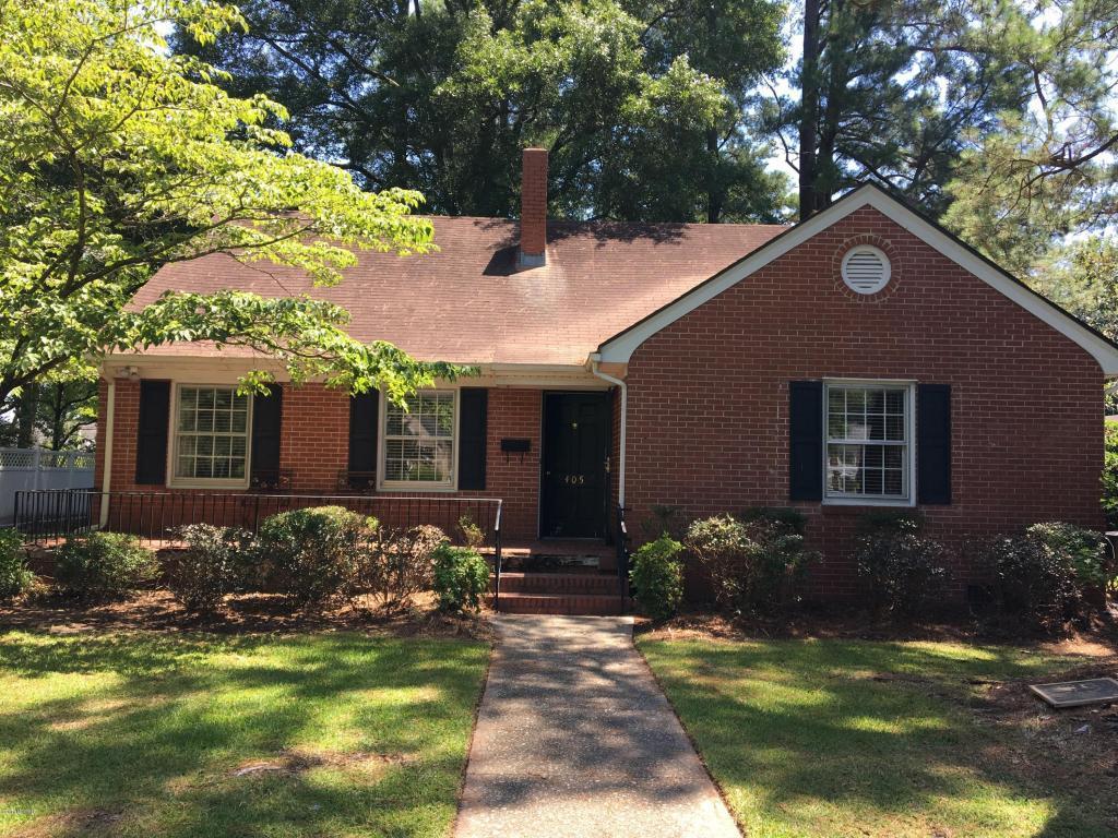405 S Raleigh Street, Wallace, NC 28466 (MLS #100020317) :: Century 21 Sweyer & Associates