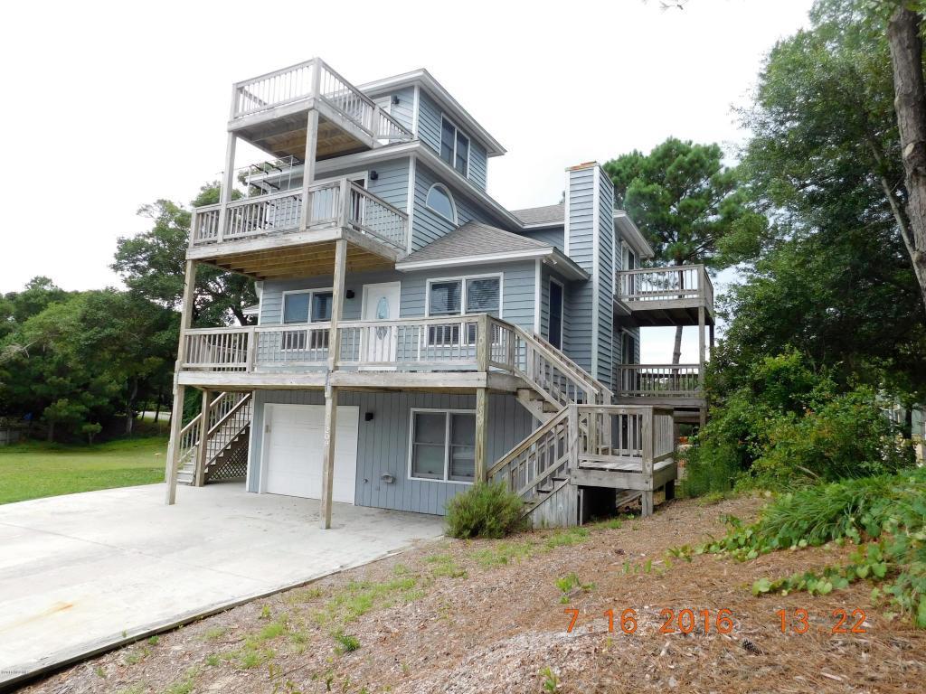 209 W Shorewood Drive, Emerald Isle, NC 28594 (MLS #100021617) :: Century 21 Sweyer & Associates