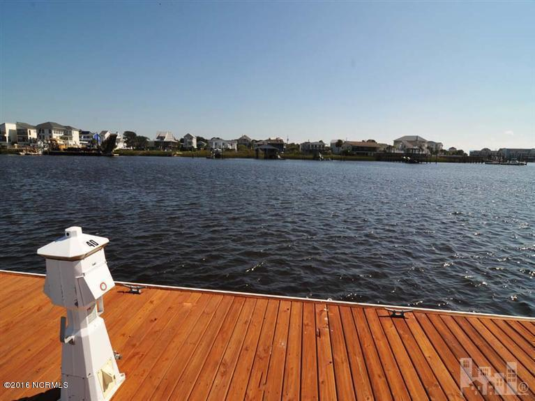39 Harbour Point Yacht Club, Carolina Beach, NC 28428 (MLS #100024812) :: Century 21 Sweyer & Associates