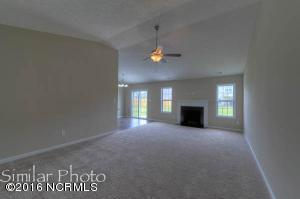 813 Fort Sumter Way, Swansboro, NC 28584 (MLS #100026060) :: Century 21 Sweyer & Associates