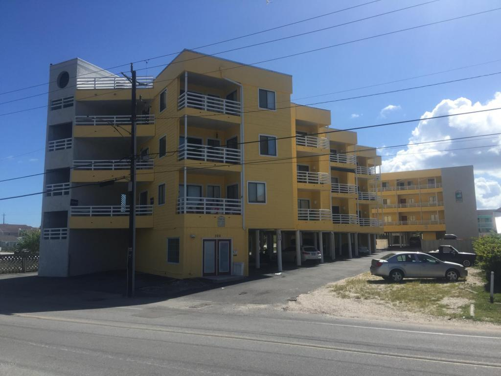 302 Canal Drive 21B, Carolina Beach, NC 28428 (MLS #100027338) :: Century 21 Sweyer & Associates