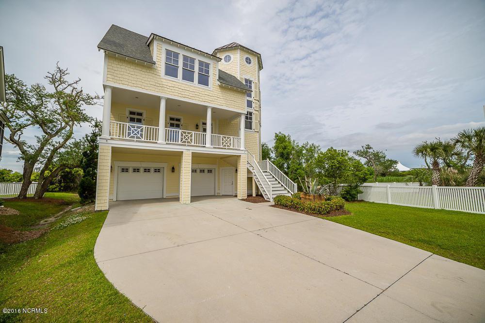 128 Soundside Drive, Atlantic Beach, NC 28512 (MLS #100027704) :: Century 21 Sweyer & Associates