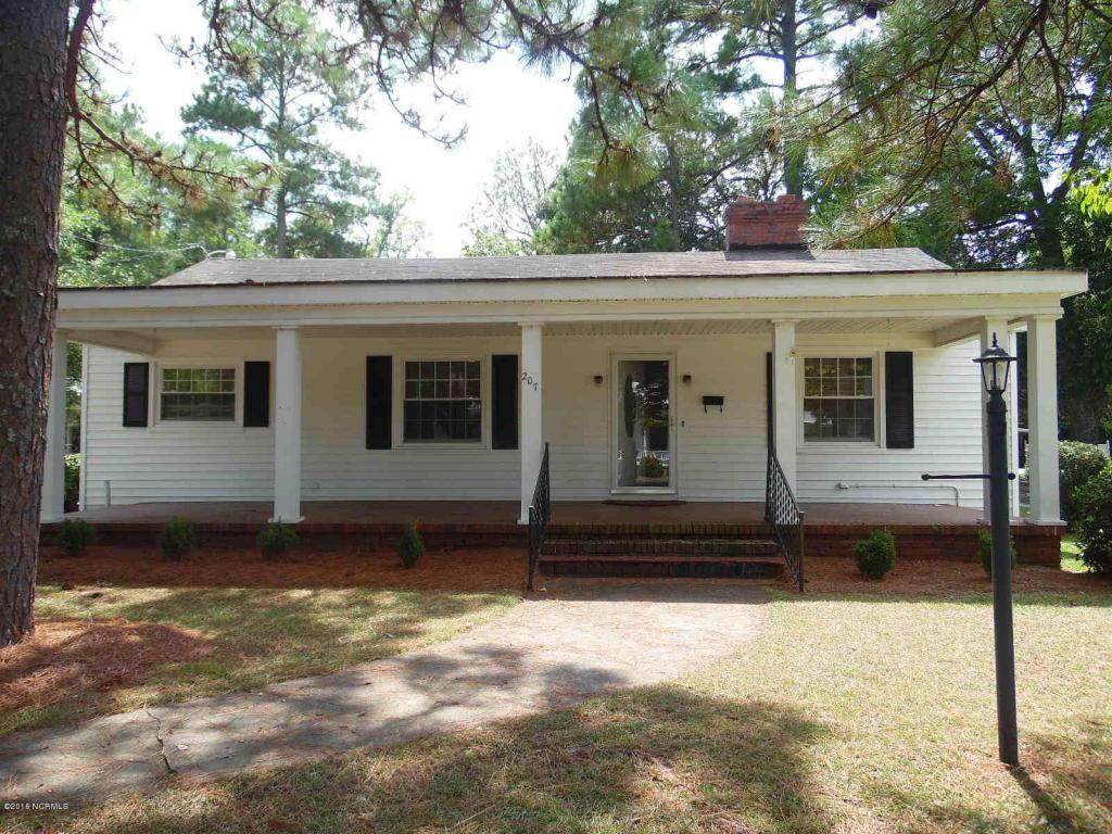 207 W Washington Street, La Grange, NC 28551 (MLS #100027796) :: Century 21 Sweyer & Associates