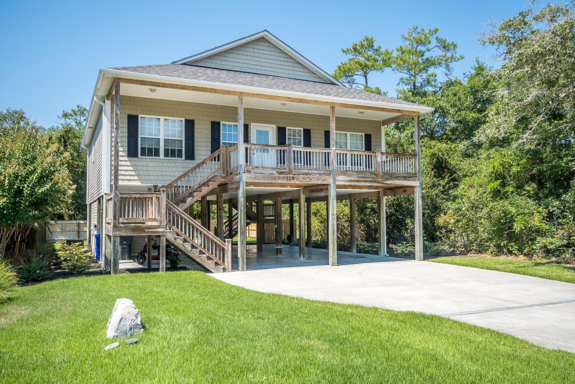 115 NW 9th Street, Oak Island, NC 28465 (MLS #100028815) :: Century 21 Sweyer & Associates