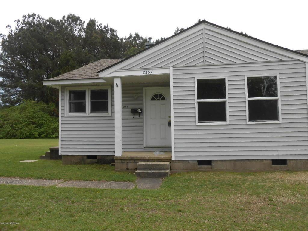 2257 Onslow Drive, Jacksonville, NC 28540 (MLS #100028835) :: Century 21 Sweyer & Associates