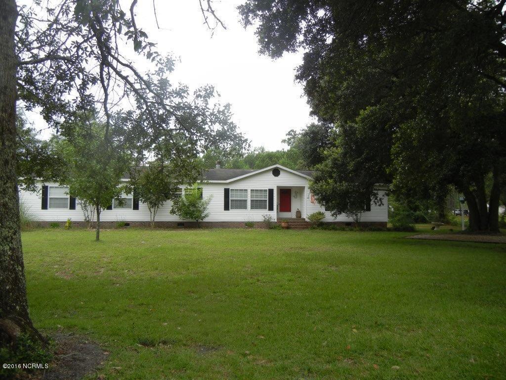 292 Sloop Point Road, Hampstead, NC 28443 (MLS #100028885) :: Century 21 Sweyer & Associates