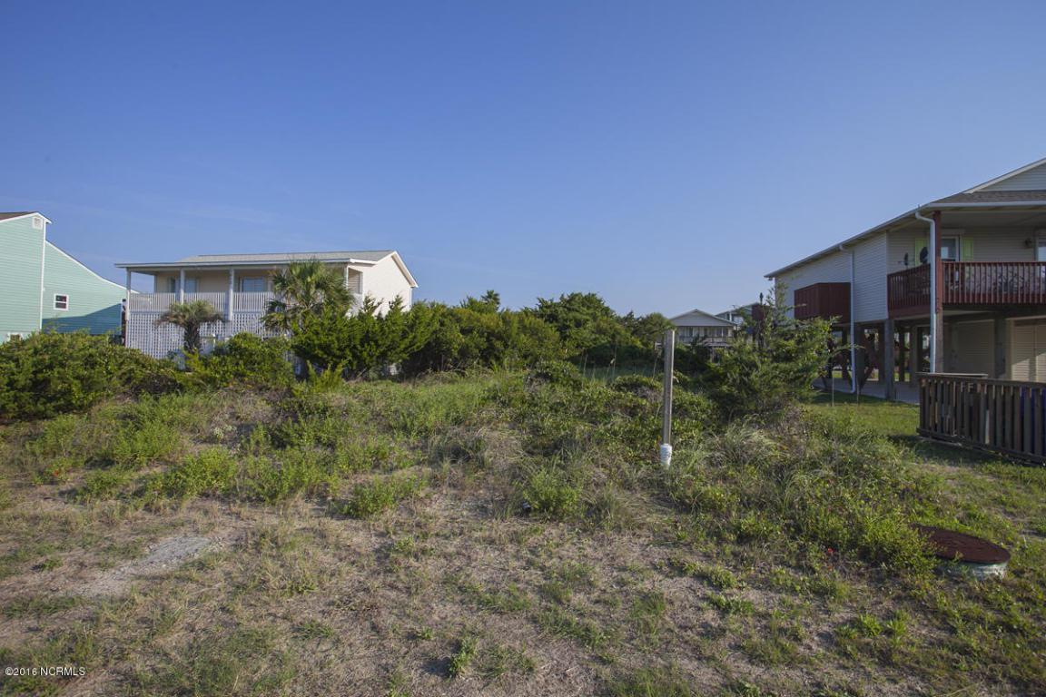 1010 W Dolphin Drive, Oak Island, NC 28465 (MLS #100029160) :: Century 21 Sweyer & Associates
