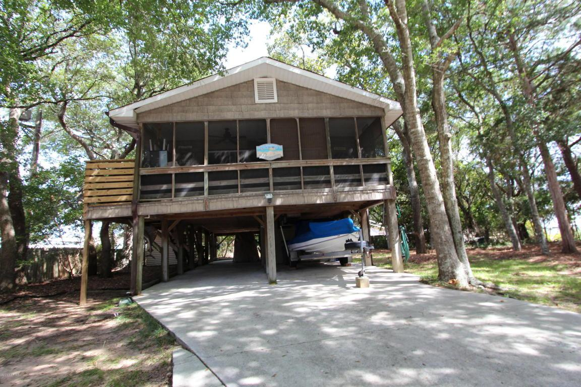 102 SE 53rd Street, Oak Island, NC 28465 (MLS #100029778) :: Century 21 Sweyer & Associates
