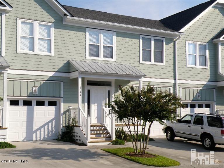 124 River Gate Lane, Wilmington, NC 28412 (MLS #100029923) :: Century 21 Sweyer & Associates