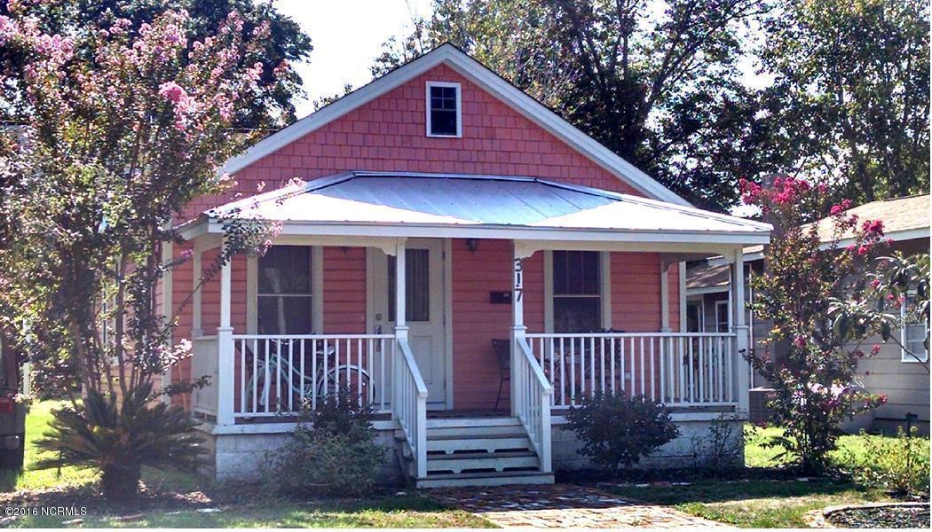 317 N Rhett Street, Southport, NC 28461 (MLS #100030349) :: Century 21 Sweyer & Associates