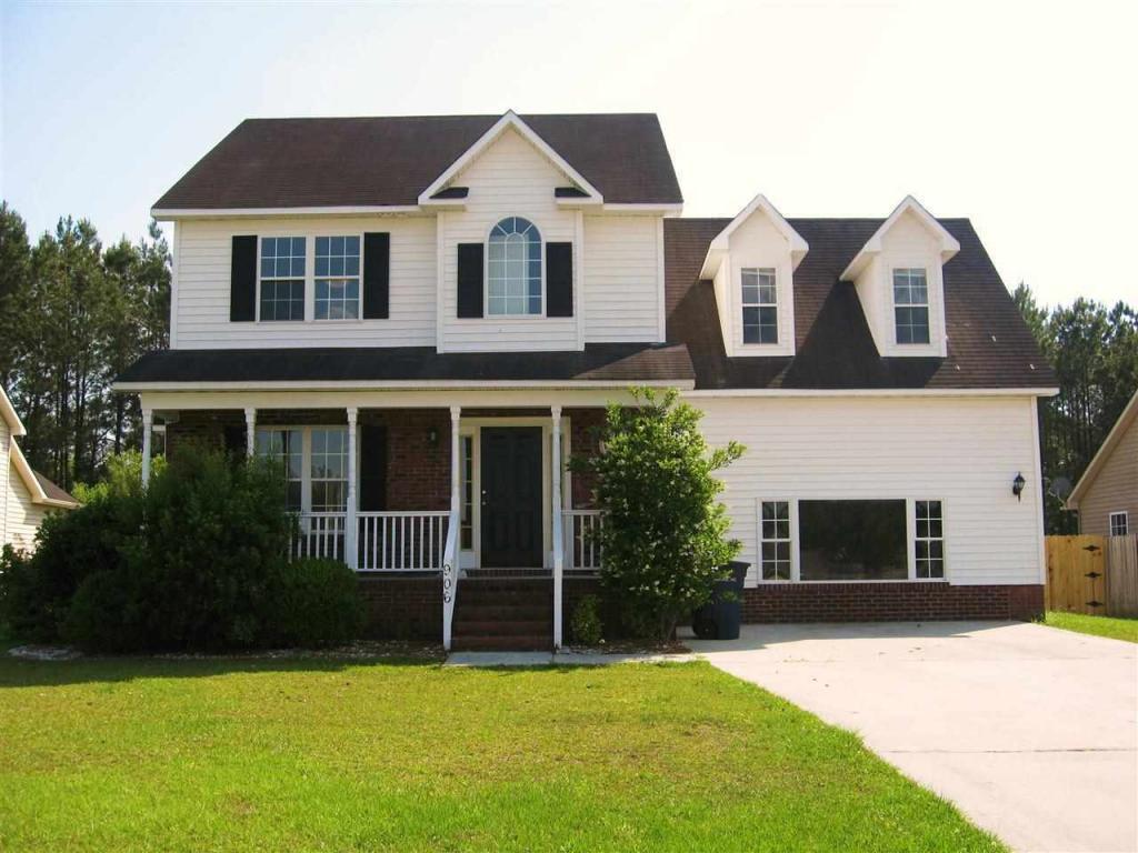 906 Huff Drive, Jacksonville, NC 28546 (MLS #100030683) :: Century 21 Sweyer & Associates