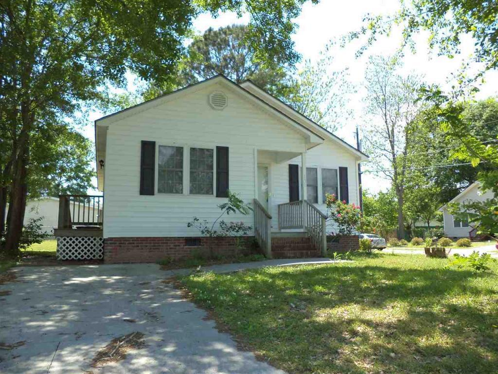 131 Cox Avenue, Jacksonville, NC 28540 (MLS #100030801) :: Century 21 Sweyer & Associates