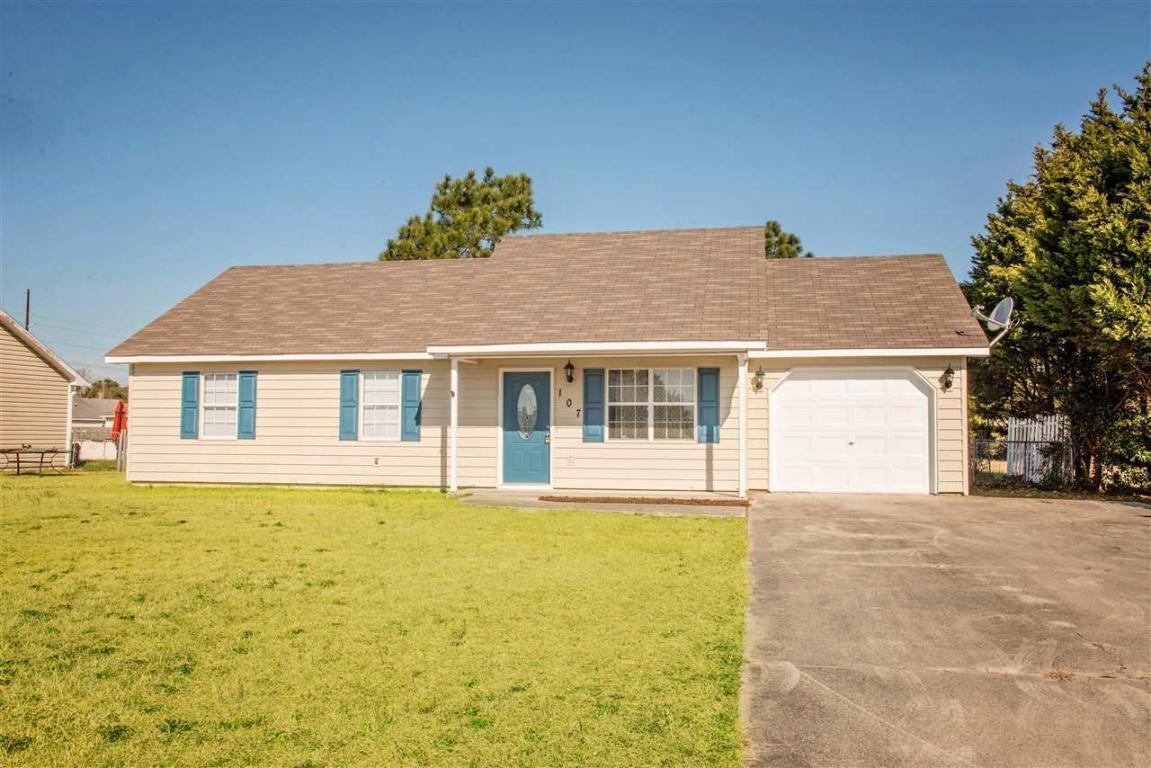 107 Foxtrace Lane, Hubert, NC 28539 (MLS #100030837) :: Century 21 Sweyer & Associates
