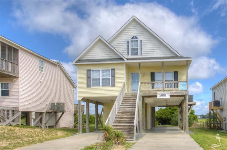 3308 W Dolphin Drive, Oak Island, NC 28465 (MLS #100031216) :: Century 21 Sweyer & Associates