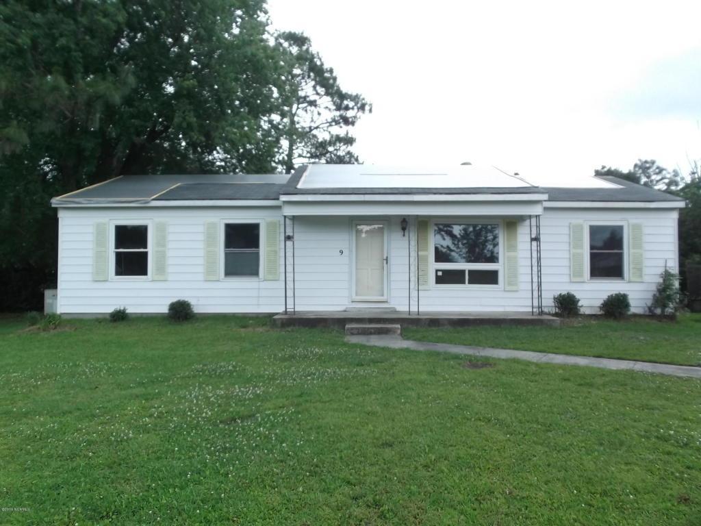 9 Crown Point Road, Hubert, NC 28539 (MLS #100031544) :: Century 21 Sweyer & Associates