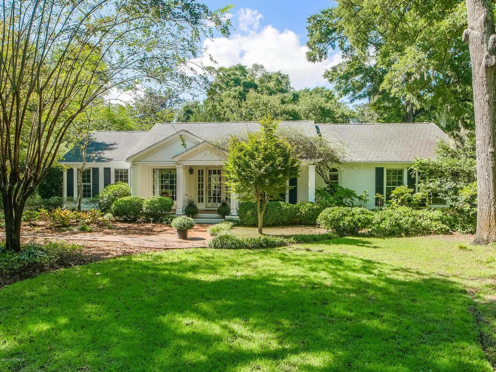 609 Bradley Creek Point Road, Wilmington, NC 28403 (MLS #100031728) :: Century 21 Sweyer & Associates