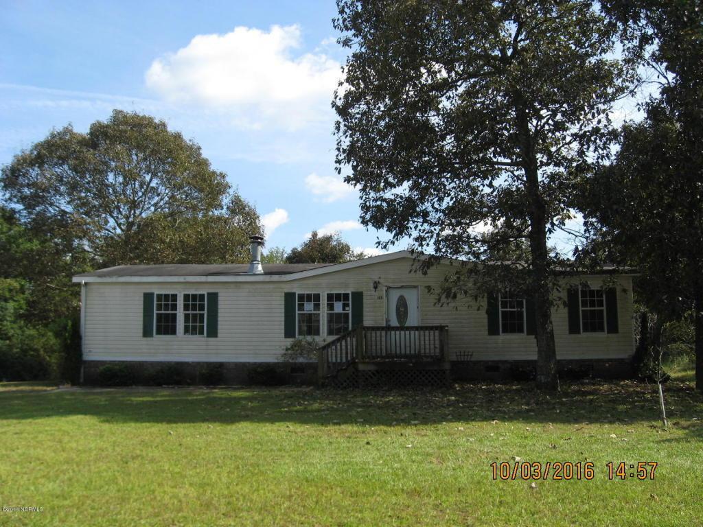 122 Edgewater Lane, Richlands, NC 28574 (MLS #100032431) :: Century 21 Sweyer & Associates