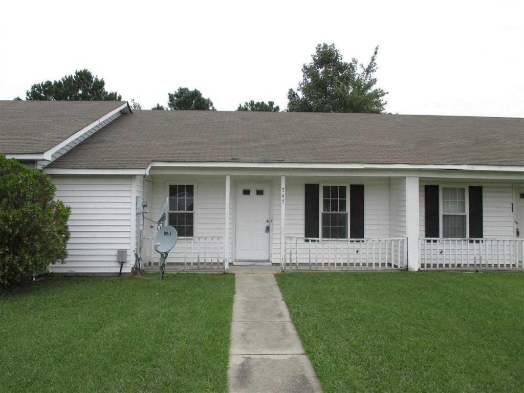 747 Pinewood Drive, Jacksonville, NC 28546 (MLS #100032470) :: Century 21 Sweyer & Associates
