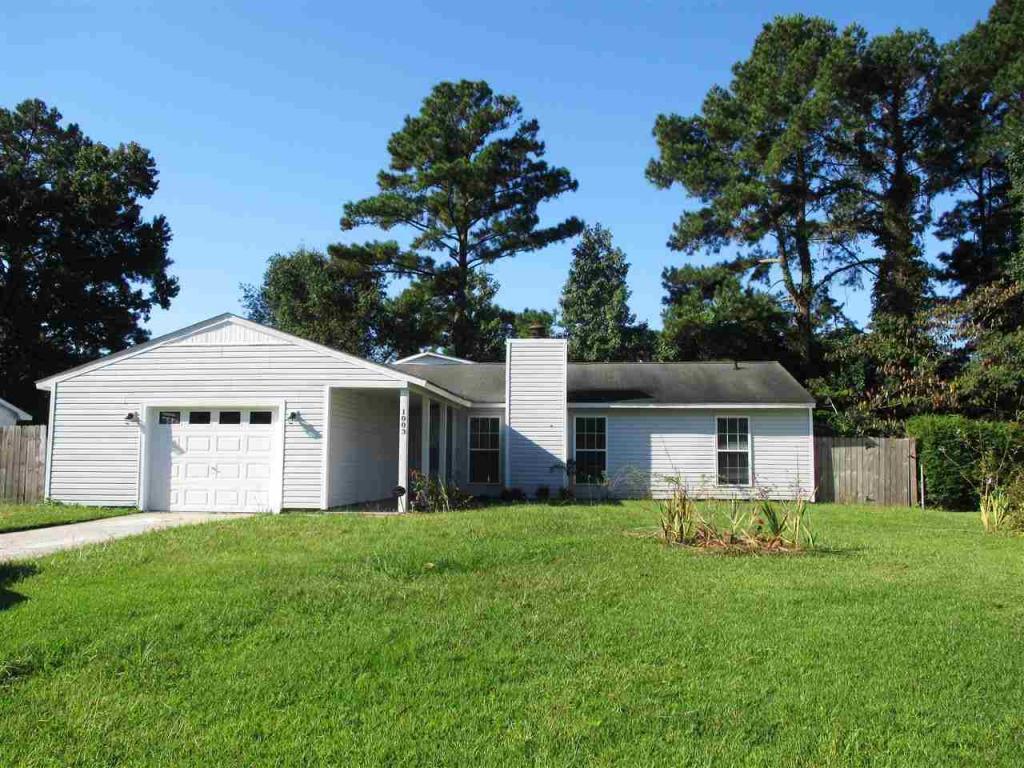 1003 Brynn Marr Road, Jacksonville, NC 28546 (MLS #100032765) :: Century 21 Sweyer & Associates
