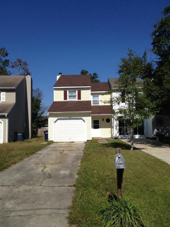 306 Bracken Place, Jacksonville, NC 28540 (MLS #100032779) :: Century 21 Sweyer & Associates