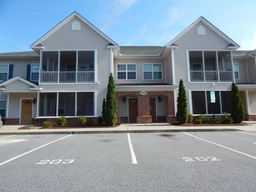 1932 Tara Court #203, Greenville, NC 27858 (MLS #100033286) :: Century 21 Sweyer & Associates