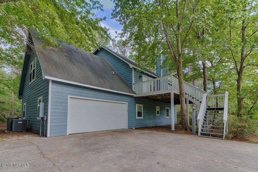 105 Bogue Landing Drive, Newport, NC 28570 (MLS #100057737) :: Courtney Carter Homes