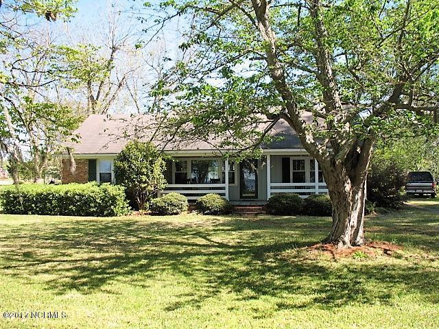 900 Lakeshore Drive, Lake Waccamaw, NC 28450 (MLS #100058181) :: The Keith Beatty Team