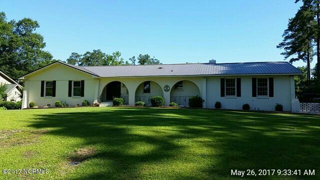 423 S Edgewood Circle, Whiteville, NC 28472 (MLS #100064991) :: Century 21 Sweyer & Associates