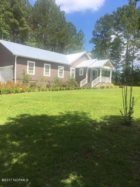 6636 Stag Park Road, Burgaw, NC 28425 (MLS #100069369) :: Terri Alphin Smith & Co.