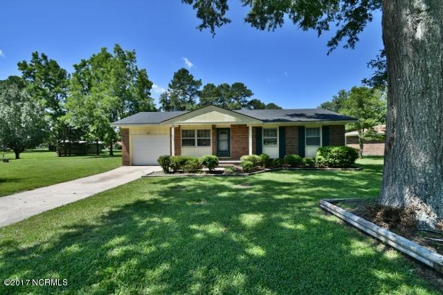 205 Walnut Drive, Jacksonville, NC 28540 (MLS #100071862) :: Century 21 Sweyer & Associates