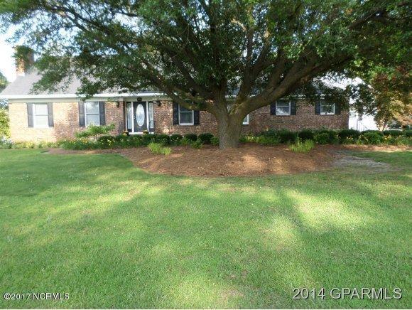 4125 Oakdale Drive, Ayden, NC 28513 (MLS #100084615) :: The Pistol Tingen Team- Berkshire Hathaway HomeServices Prime Properties