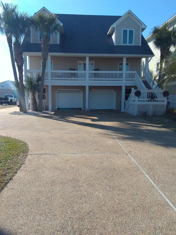 203 Florida Avenue, Carolina Beach, NC 28428 (MLS #100093513) :: Coldwell Banker Sea Coast Advantage