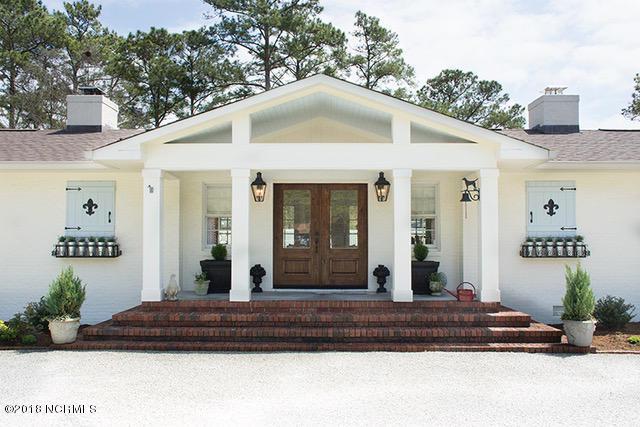 120 Persimmon Lane, Hampstead, NC 28443 (MLS #100110925) :: The Pistol Tingen Team- Berkshire Hathaway HomeServices Prime Properties