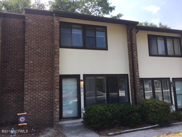 113 Bonner Avenue #107, Morehead City, NC 28557 (MLS #100116463) :: Courtney Carter Homes