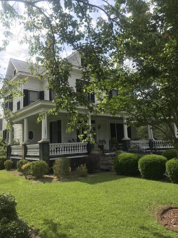 508 College Street, Kinston, NC 28501 (MLS #100118067) :: Century 21 Sweyer & Associates