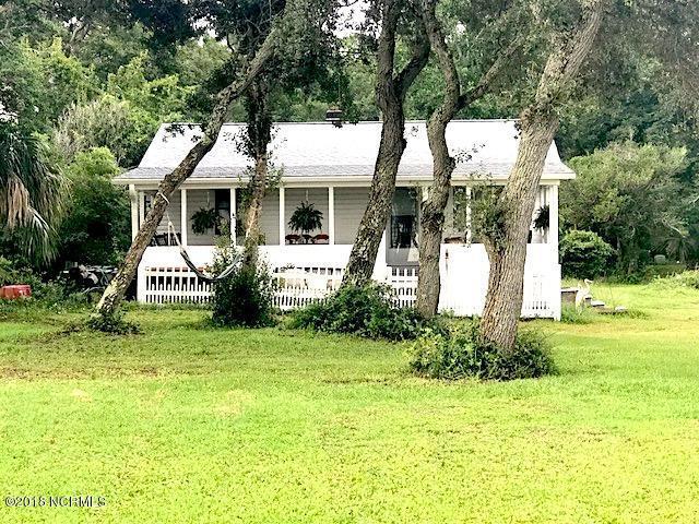 7404 E Yacht Drive, Oak Island, NC 28465 (MLS #100130010) :: Terri Alphin Smith & Co.