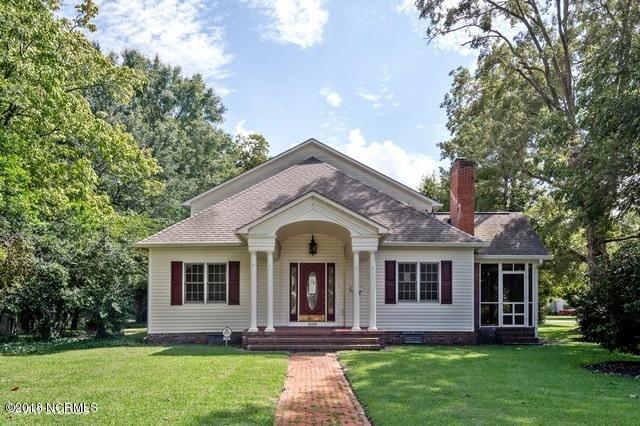 1609 Lucerne Way, New Bern, NC 28560 (MLS #100130157) :: The Pistol Tingen Team- Berkshire Hathaway HomeServices Prime Properties