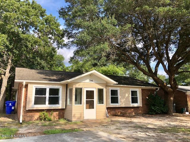 124 NE 38th Street, Oak Island, NC 28465 (MLS #100130178) :: Terri Alphin Smith & Co.