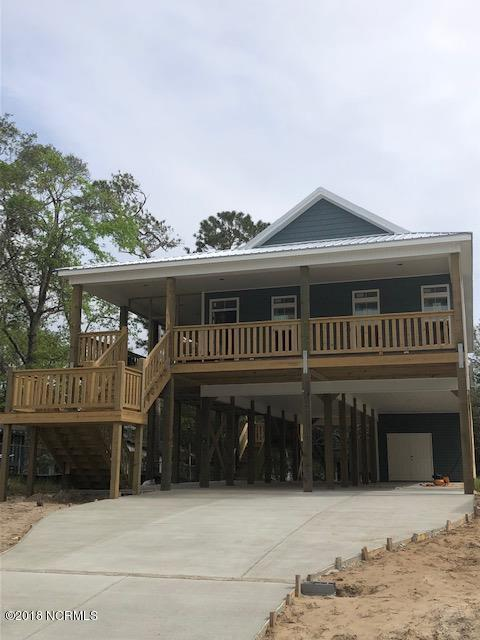 156 NE 19th Street, Oak Island, NC 28465 (MLS #100136385) :: Berkshire Hathaway HomeServices Prime Properties