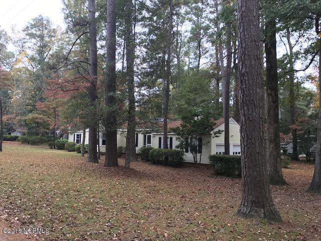 101 Lakewood Drive, Greenville, NC 27834 (MLS #100139906) :: Berkshire Hathaway HomeServices Prime Properties