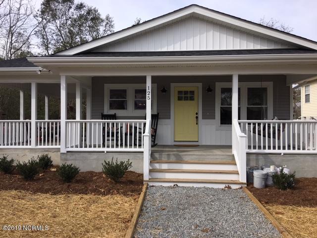 125 NE 29th Street, Oak Island, NC 28465 (MLS #100146660) :: Chesson Real Estate Group