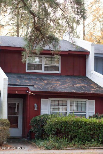 126 Oakmont Drive #6, Greenville, NC 27858 (MLS #100147073) :: The Pistol Tingen Team- Berkshire Hathaway HomeServices Prime Properties