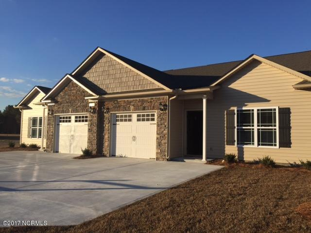 2232 Sweet Bay Drive B, Greenville, NC 27834 (MLS #100155848) :: The Pistol Tingen Team- Berkshire Hathaway HomeServices Prime Properties