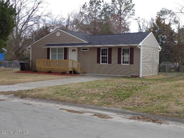 806 Davis Street, Jacksonville, NC 28540 (MLS #100162655) :: Vance Young and Associates