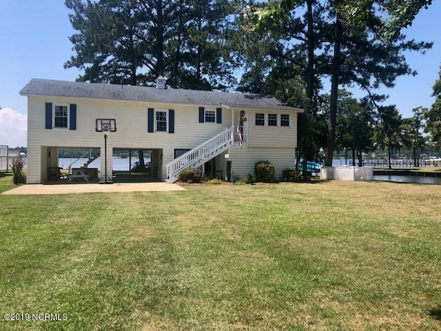 32 E Bayside Drive, Chocowinity, NC 27817 (MLS #100174086) :: The Pistol Tingen Team- Berkshire Hathaway HomeServices Prime Properties