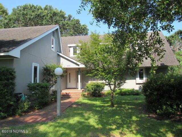 208 Harbor Drive, Morehead City, NC 28557 (MLS #100174152) :: RE/MAX Essential