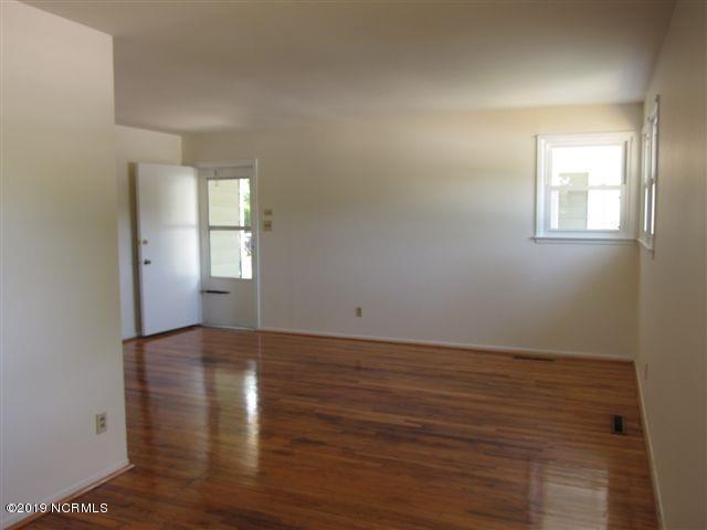 616 Henderson Drive, Jacksonville, NC 28540 (MLS #100174973) :: Berkshire Hathaway HomeServices Hometown, REALTORS®