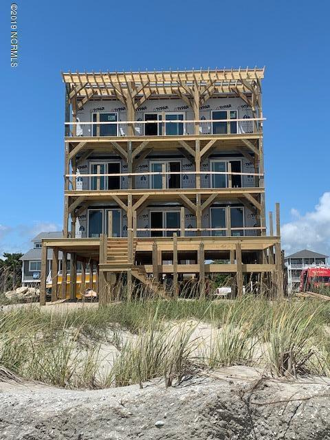 929 E Beach Drive, Oak Island, NC 28465 (MLS #100176800) :: Coldwell Banker Sea Coast Advantage
